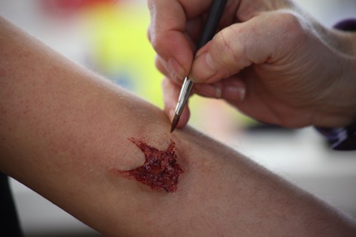 wound makeup application