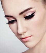 Beauty Make-up by Iver Academy Artist