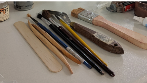make-up brushes and sculpting tools used for prosthetics make-up and SFX make-up